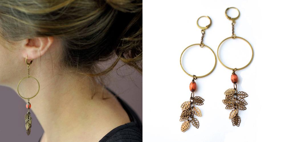 Boucles d'oreilles GLYCINE fermoir laiton petites feuilles dorées et perles de verre de couleur
