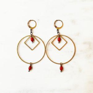 Boucles d'oreilles DAPHNE cercle et losange en laiton doré et ses perles émaillées de couleur