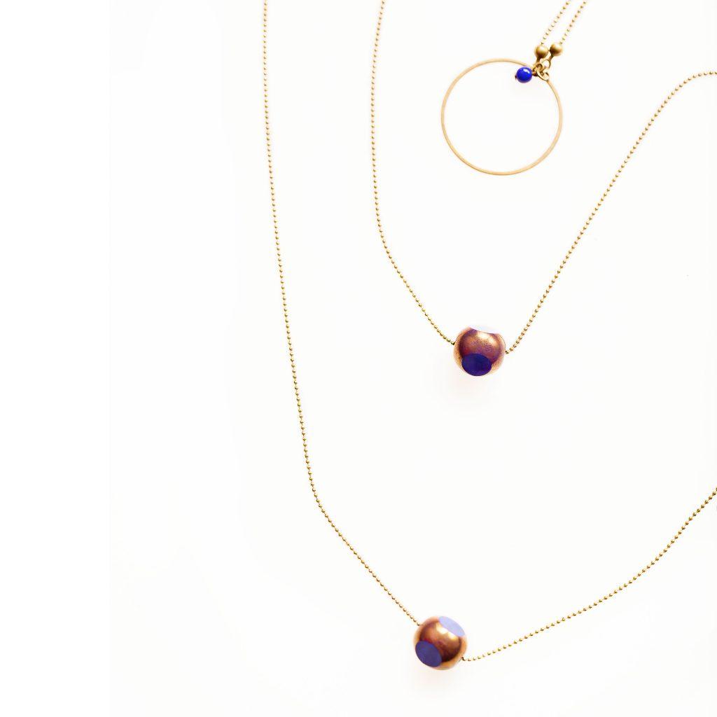En réassort collier TWIST pour la semaine prochaine... laiton et perle en verre facetée