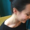 Boucles d'oreilles MAÏA anneau et chaine en laiton doré et fils cirés colorés